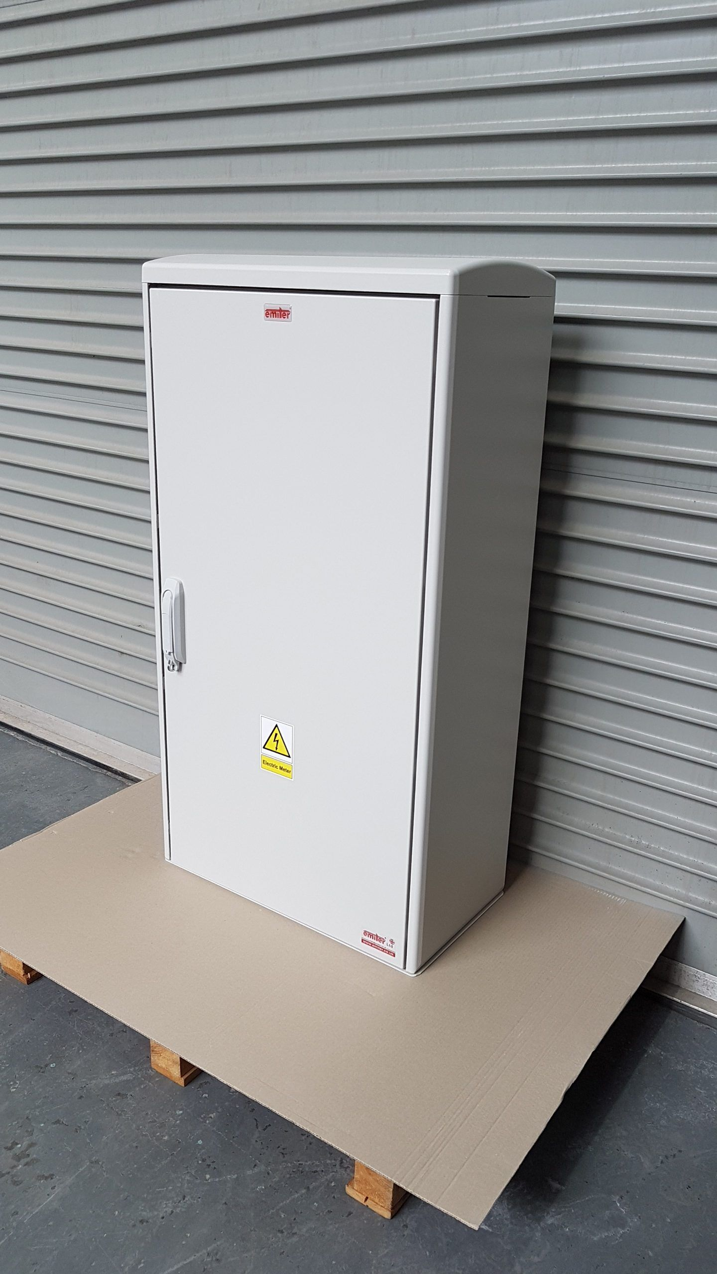 GRP Electric Meter Box W605 x H1150 x D320 mm, Right Side View